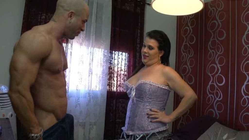Desy de 'GH' y Tony Aguilera en su escena porno.