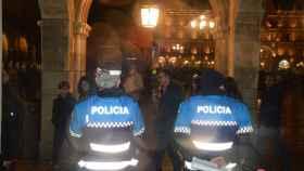 policia local plaza mayor noche