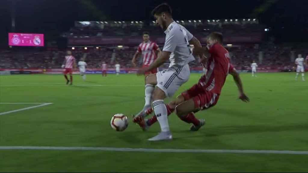 Segundo penalti sobre Marco Asensio