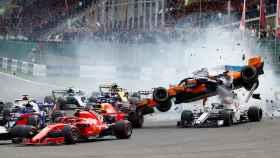Duro accidente de Fernando Alonso que le deja fuera del GP de Bélgica