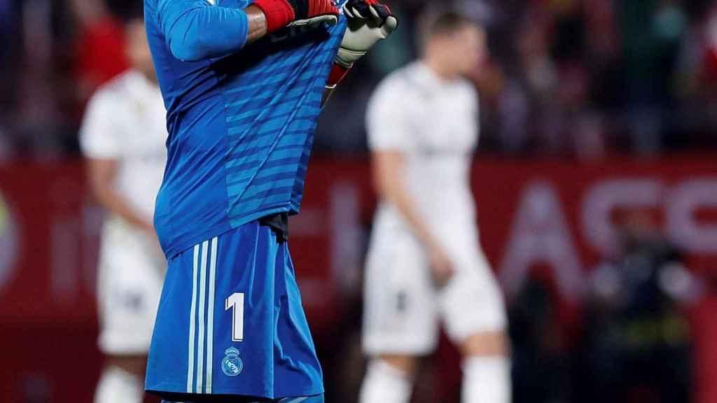 Keylor Navas celebra una acción con el Real Madrid