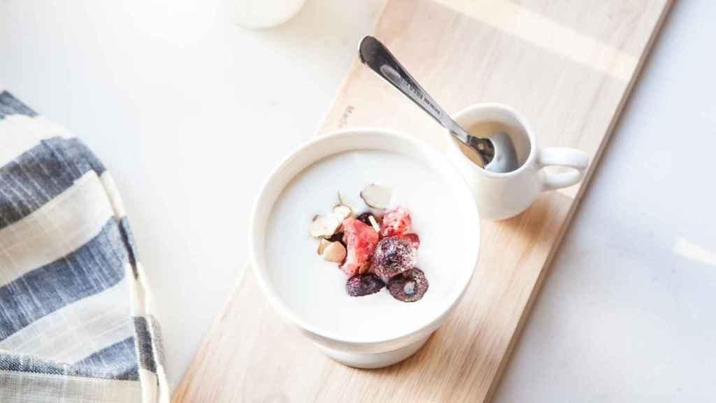 Los expertos recomiendan consumir un litro de leche al día.