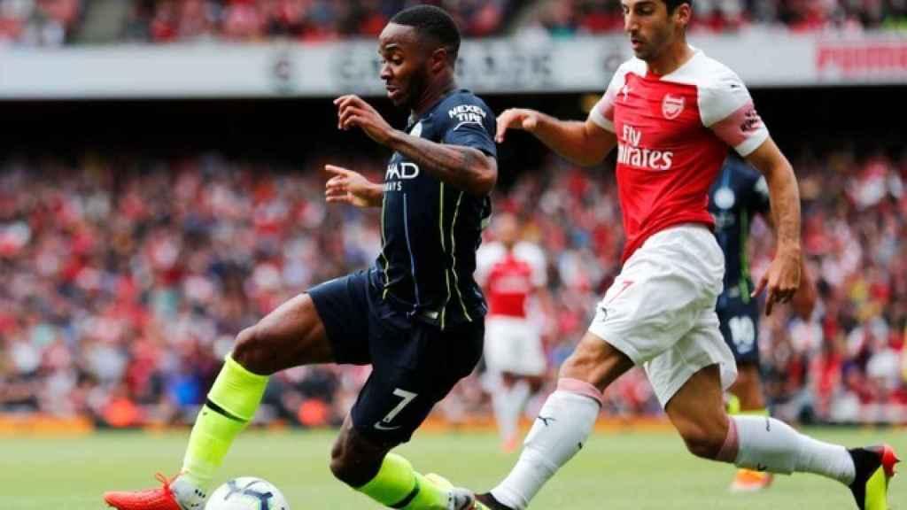 Sterling durante el partido frente al Arsenal