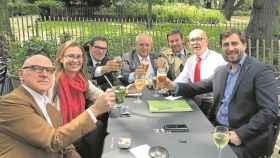 Boye, segundo por la derecha, con otros abogados del equipo y los exconsejeros Comin y Serret./