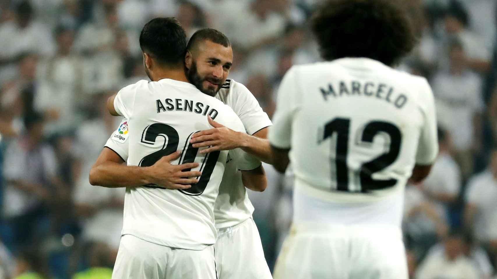 Benzema y Asensio, celebran un gol