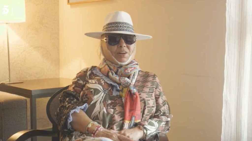 Carmen Borrego ya vende hasta los hematomas de su operación