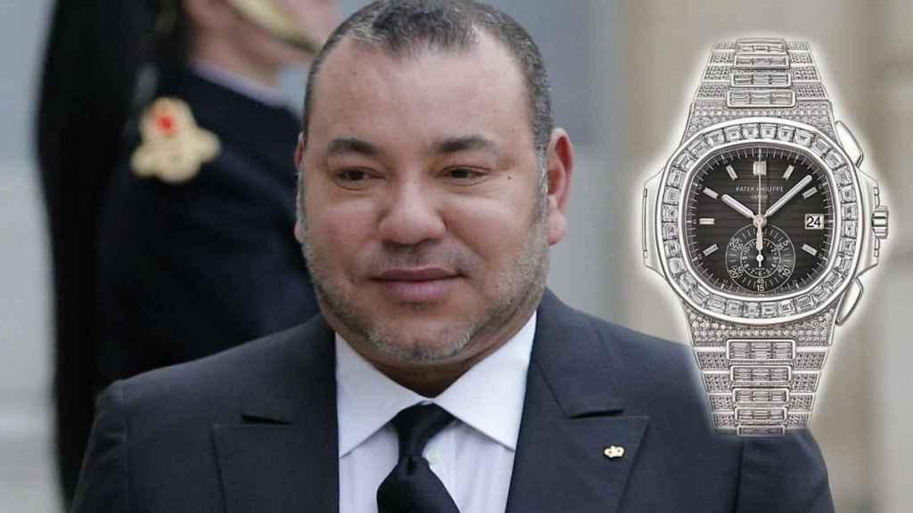 Mohamed VI junto a una imagen de su lujoso reloj.