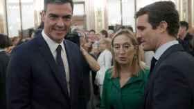 Pedro Sánchez, Ana Pastor y Pablo Casado, este jueves en el Congreso.