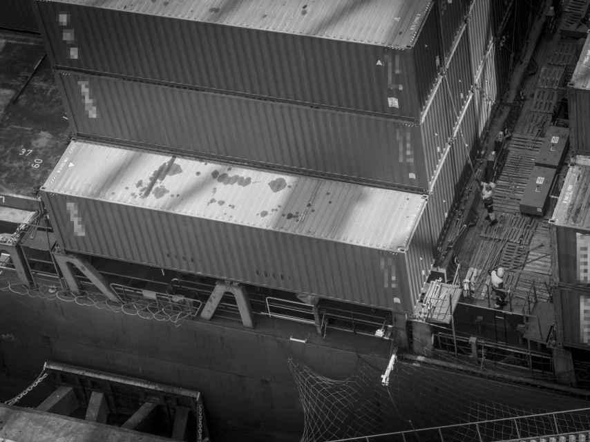 Las bandas de narcotraficantes usan los contenedores del tráfico mundial de mercancías para realizar sus envíos de cocaína desde países como Colombia o Brasil hasta España.