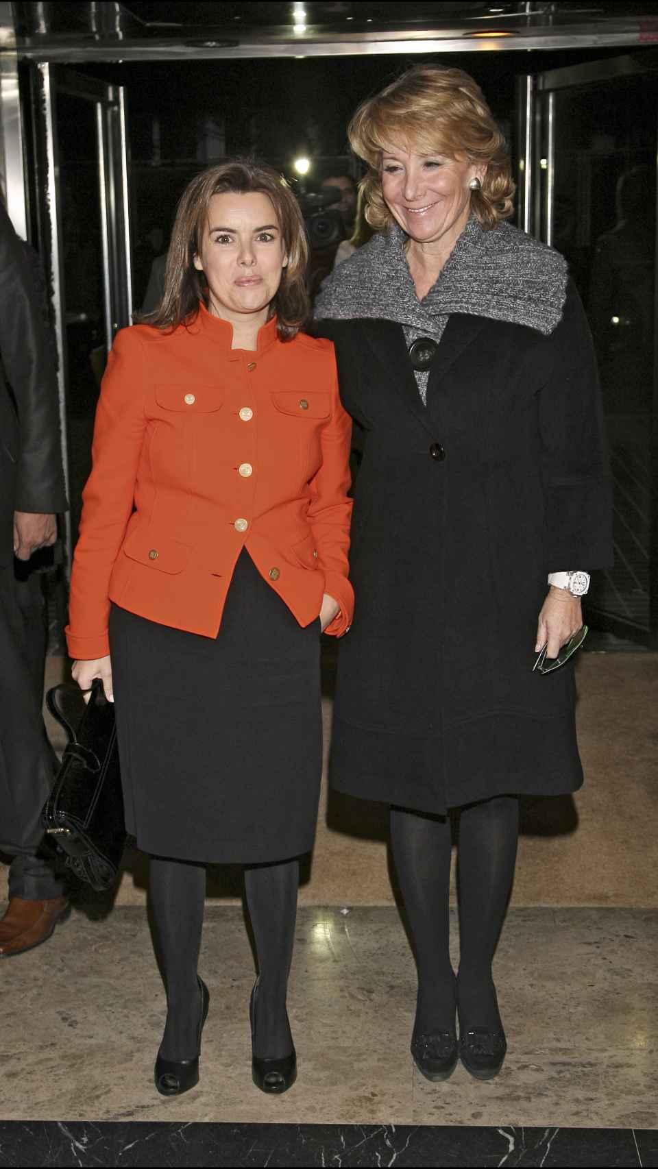 Soraya junto a Esperanza Aguirre.