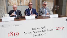 El ministro de Cultura, José Guirao, el presidente del Patronato del Museo, José Pedro Pérez Llorca, y el director del Museo, Miguel Falomir, durante la rueda de prensa.