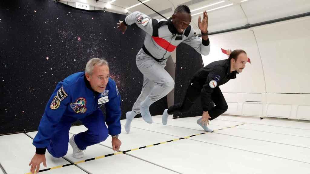 Bolt empieza a correr bajo gravedad cero