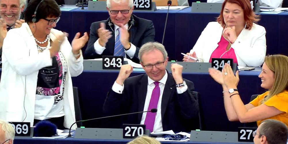 articulos 13 tasa google aprobados parlamento europeo