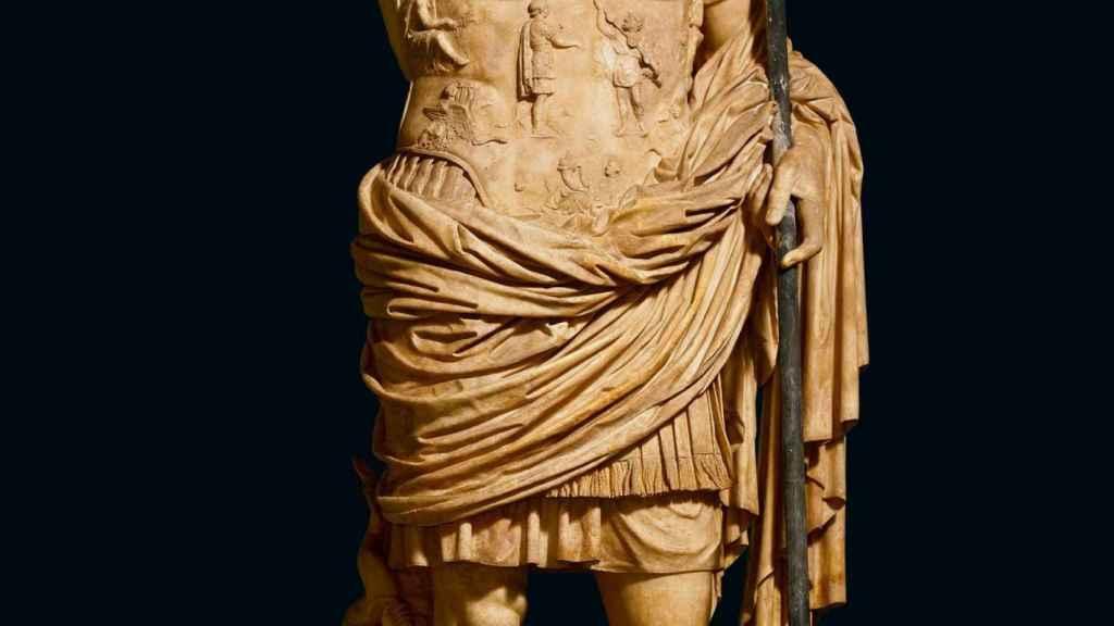 Una estatua del emperador Augusto.