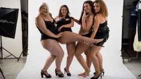 Raquel (izquierda), de MMExpression. Con Lidia, Lele y Susana, se formaron como modelos Curvis.