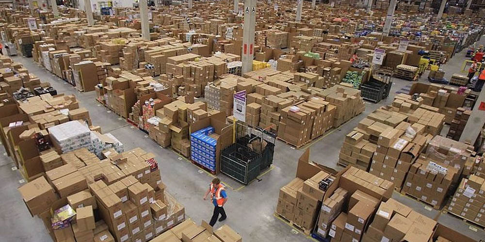 amazon españa almacenes empleados