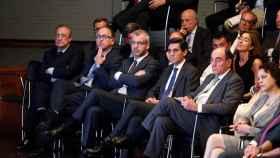 El presidente de ACS Florentino Pérez (i), el presidente de IBERIA Luis Gallego (2i), el presidente de Telefónica José María Álvarez-Pallete (2d), y el presidente de IBERDROLA José Ignacio Sánchez Galán (d), durante la intervención del presidente gobierno Pedro Sánchez en un acto en 2018.