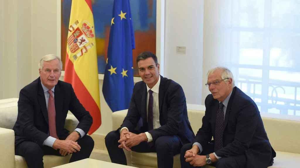 Borrell, Sánchez y Barnier este lunes en La Moncloa