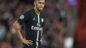 Neymar, serio en el duelo ante el Liverpool
