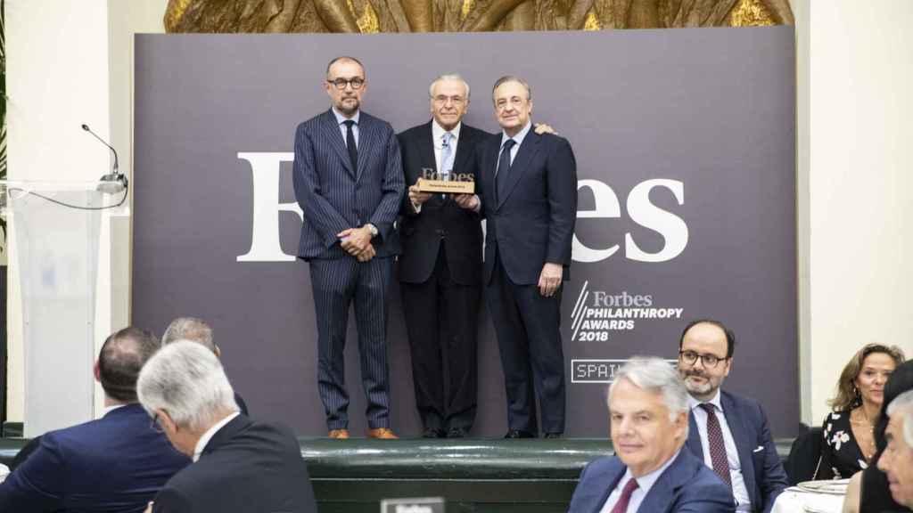 Isidro Fainé recibe el premio Filantropía 2018 de la revista Forbes