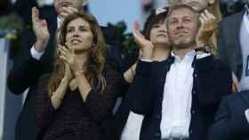 Roman Abramovich y Dasha Zukhova en Munich durante un partido del Chelsea FC .