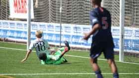 El choque entre Cristian Totti y el portero rival