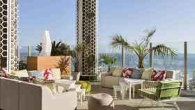 La terraza del modernísimo Hilton City Center.
