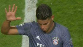 El gesto de James contra la grada del Estadio Da Luz