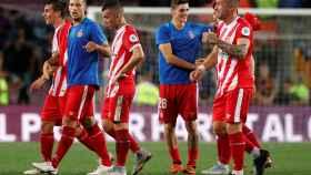 Los jugadores del Girona en el partido contra el Barcelona