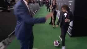 El hijo de Marcelo en la alfombra verde de la gala de The Best