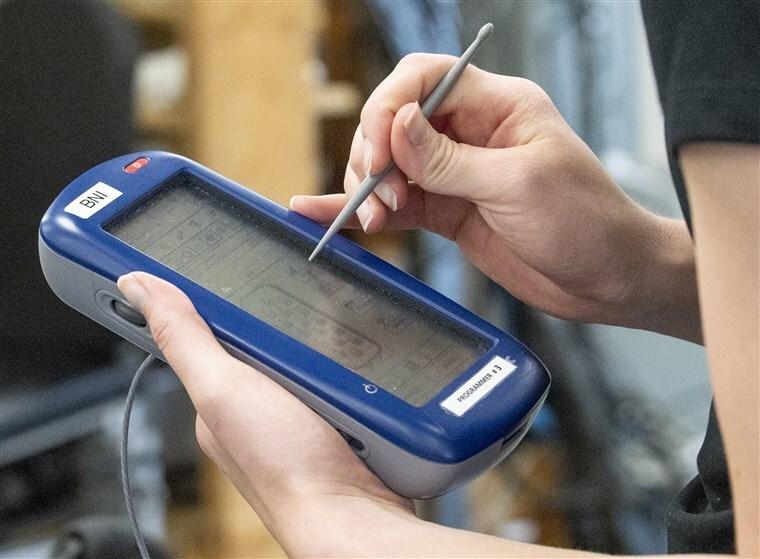implante electrico chip medula espanial pacientes con paraplejia