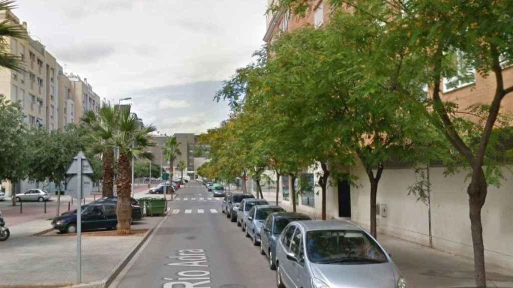 La calle de Castellón donde ha tenido lugar el parricidio.