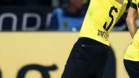 Achraf celebra su primer gol con el Borussia Dortmund