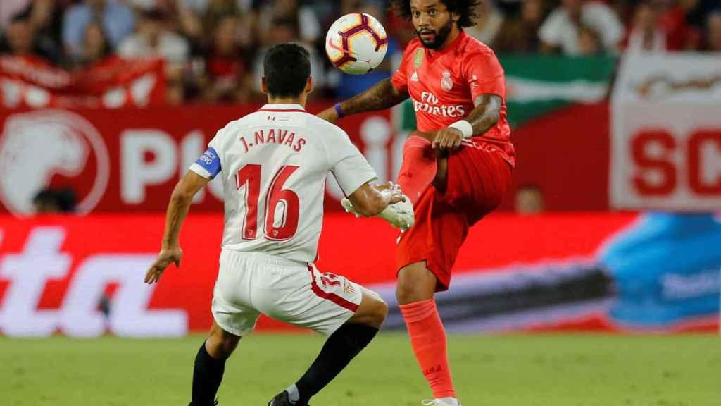 Marcelo presionado por Jesús Navas