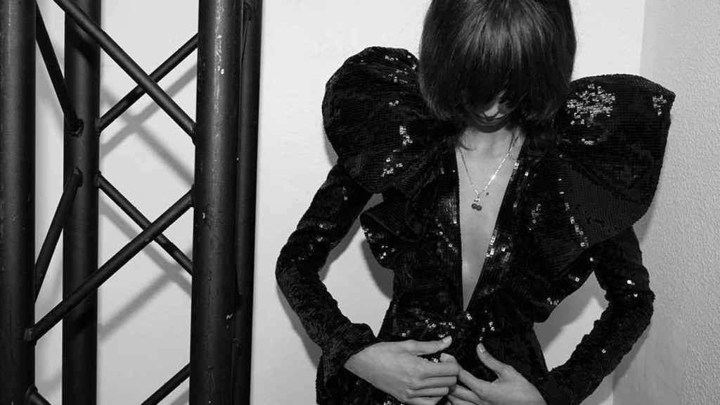 Una modelo de Yves Saint Laurent.