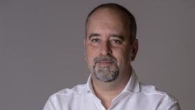 El periodista Agustín Pery, autor de la novela 'Moscas'