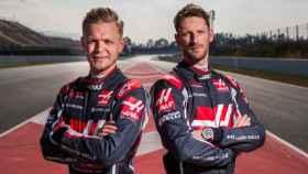 Magnussen y Grosjean, pilotos del Haas F1 Team. Foto: (haasf1team.com)