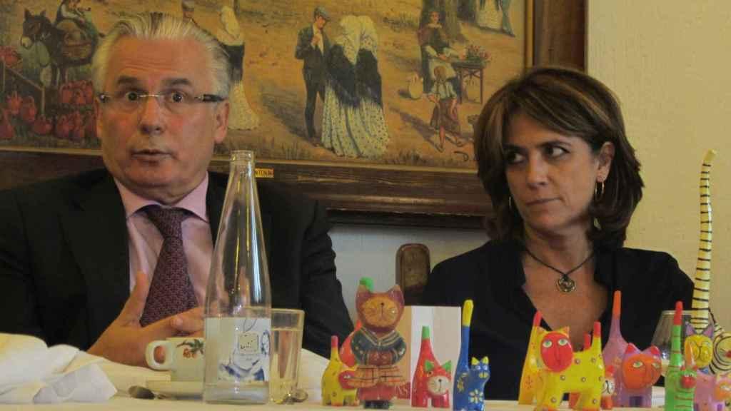 Dolores Delgado y Baltasar Garzón en una comida.