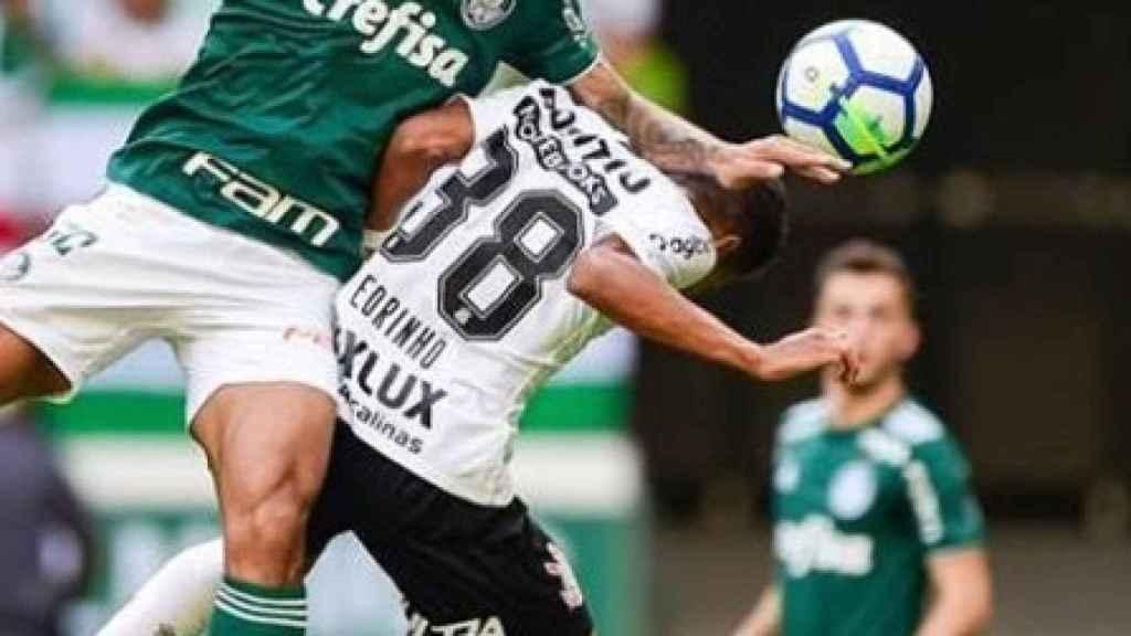 Felipe Melo durante un partido con Palmeiras. Foto: Twitter (@_felipemelo_)