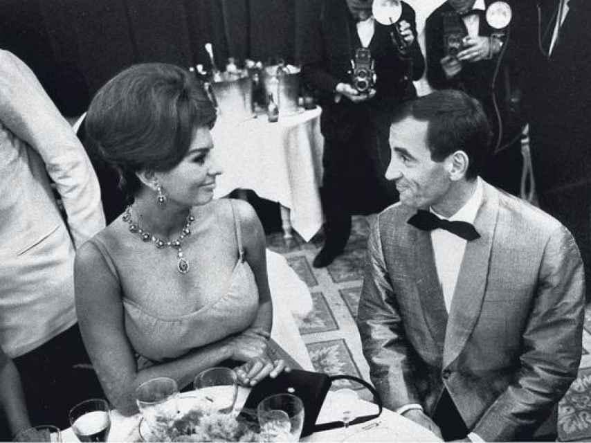 Aznavour con Sophia Loren en Cannes.