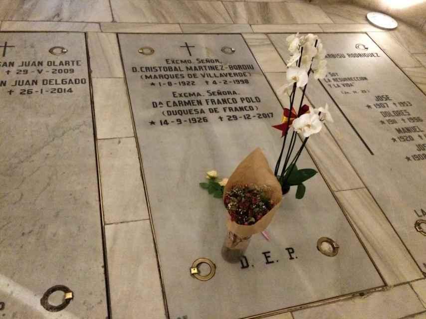 Nicho de los Franco en la cripta de La Almudena.
