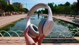 Probamos los Motorola Pulse Escape: análisis de unos auriculares buenos, bonitos y baratos