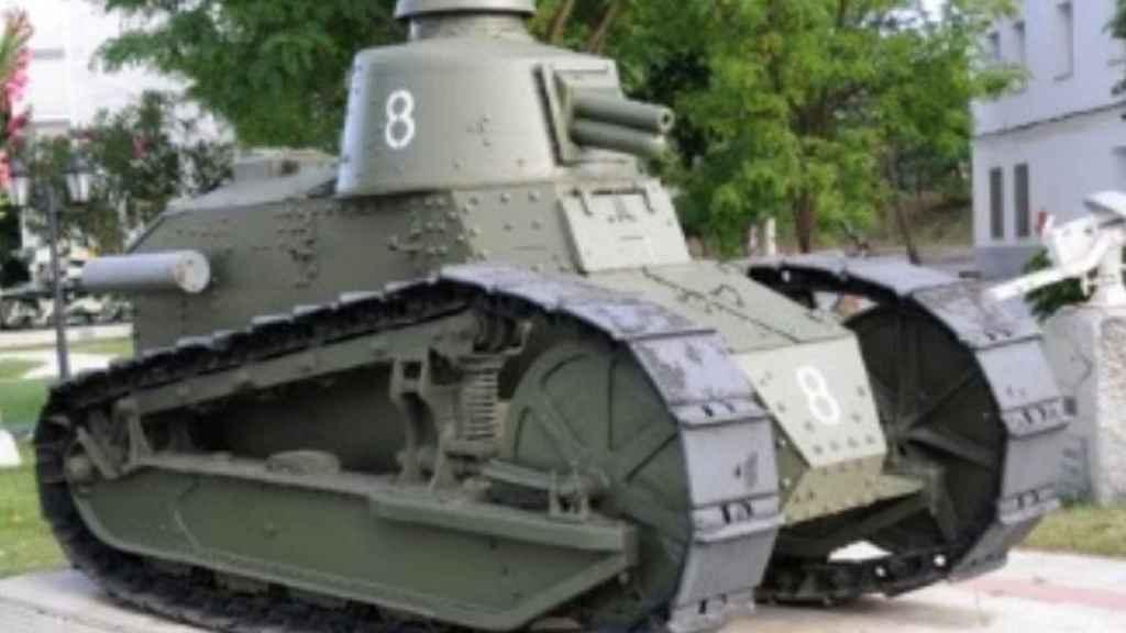 El FT-17 ya restaurado, blindado histórico del ejército español.