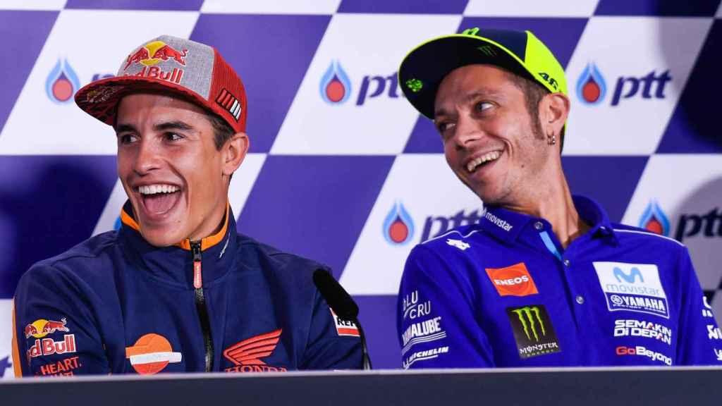 Márquez, junto a Rossi, en la conferencia de prensa del GP de Tailandia.