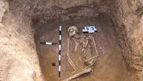 Restos desenterrados de un esqueleto yamnaya