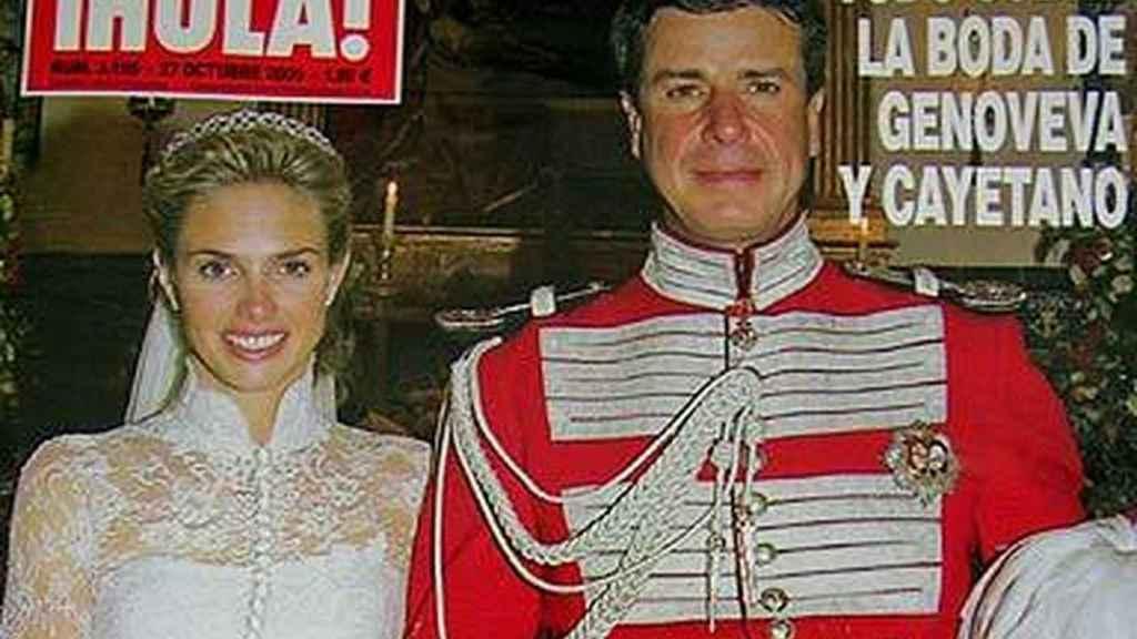 Cayetano y Genoveva Casanova, en la portada de '¡HOLA!' por su boda.