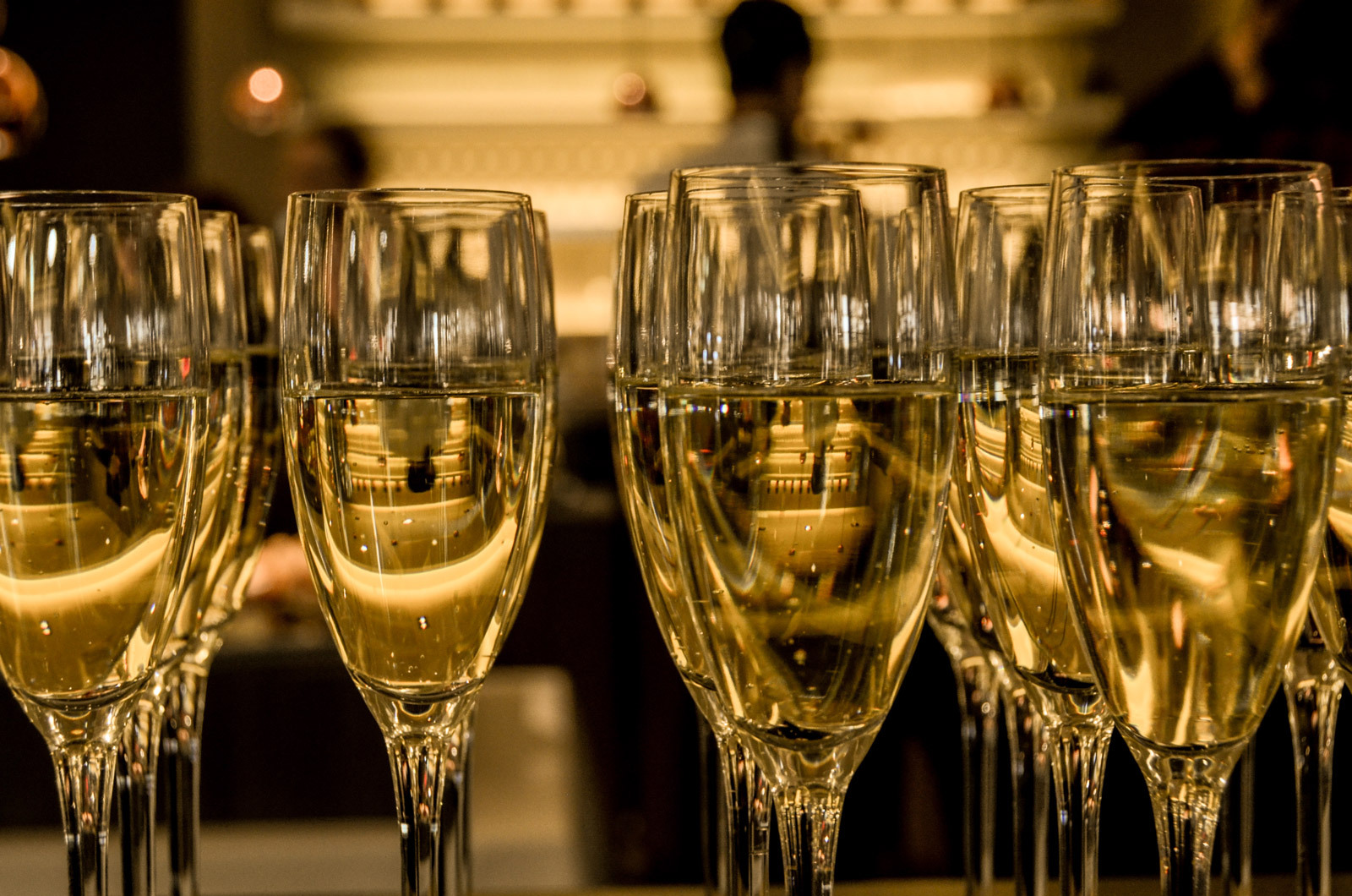 glasses-of-wine-celebrating-the-new-year