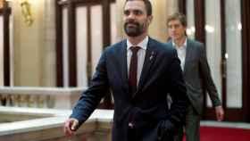 Roger Torrent, en los pasillos del Parlament.