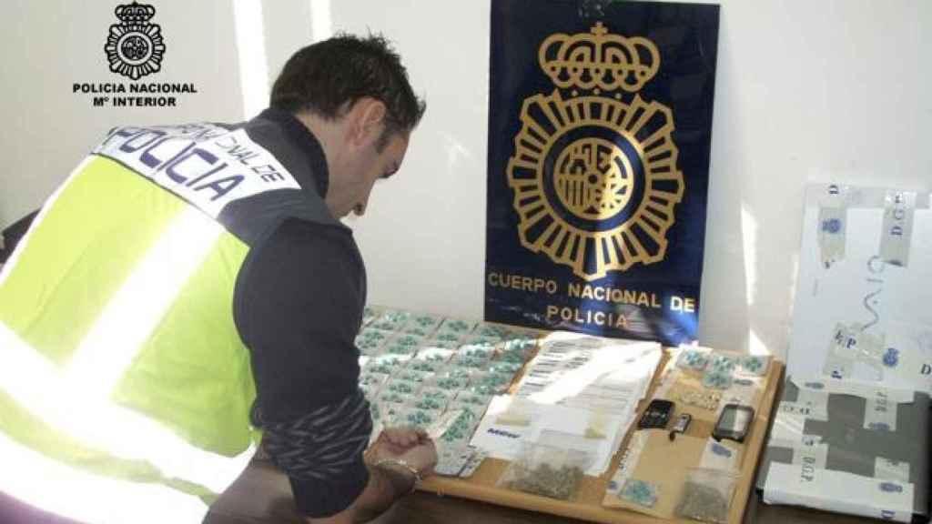 Otra de las operaciones de la Policía Nacional incautando este tipo de pastillas.