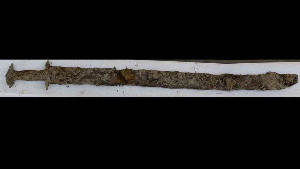 La espada encontrada por la niña de ocho años.